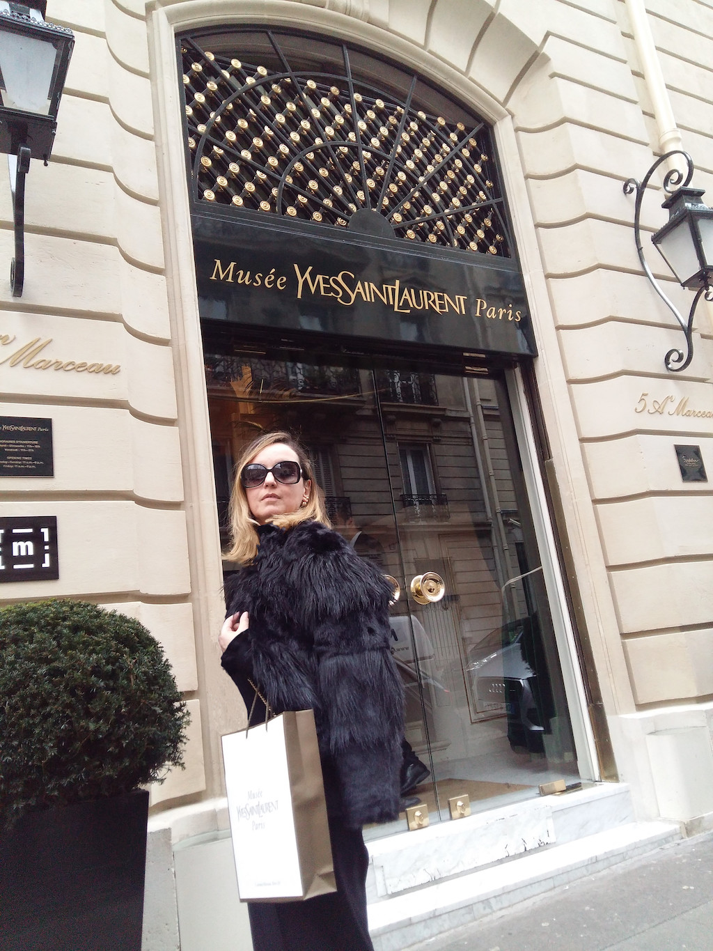 1YSL Emanuela Formoso Fashion Lover
